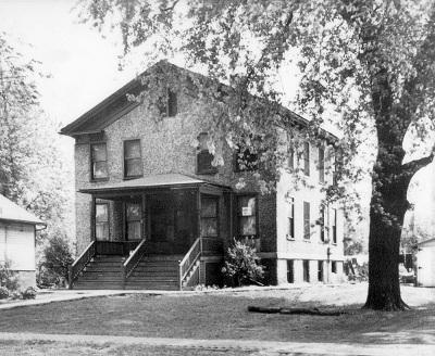Sandburg family's 3d home on East Berrien Street