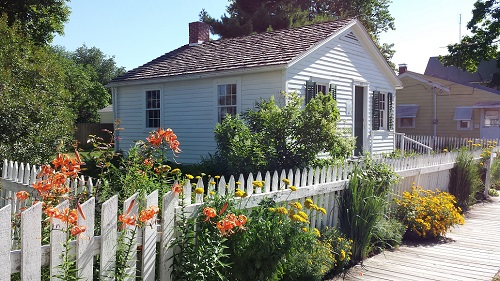 Birthplace Cottage - Photo contributed by Mary E. Phiilips